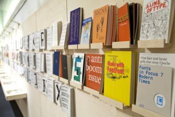 Exponate der Ausstellung ON TYPE